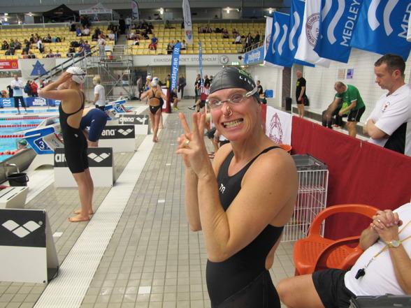 Annette Philipson, LASS, Linköping inledde Masters-SM på bästa sätt med Europarekord på 400m medley. Så här avslappnad var hon innan loppet.