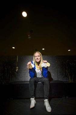 Sarah Sjöström med sin medaljsamling på EM = 5 st