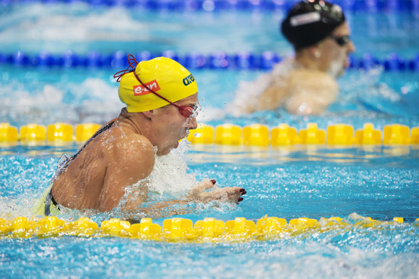 Magdalena Kuras simmade 100m medley idag