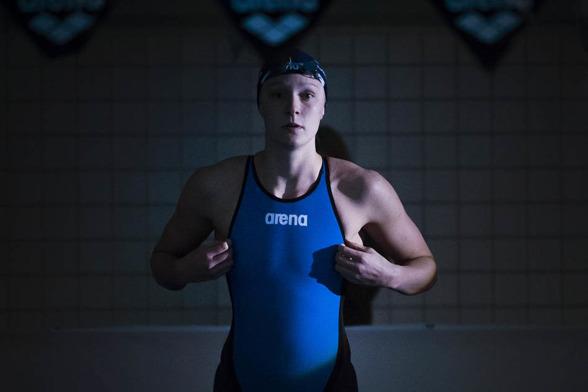 Sarah Sjöström slog till med svenskt rekord på 4900m fritt ikväll
