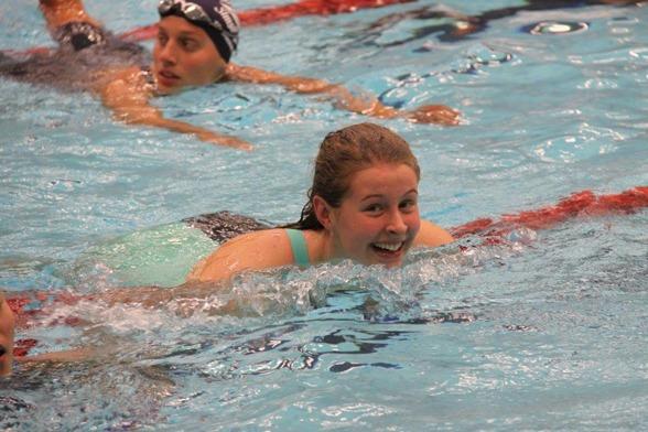Sophie Hansson var en av många rekordslagare i kvällens finaler. Hon slog juniorrekord på¨100m bröstsim med 1.05,28