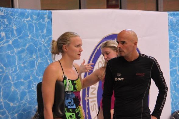 100m fjärilsegrainnan Sarah Sjöström med tränaren Carl Jenner