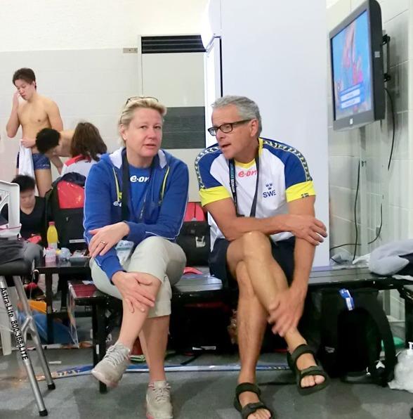 God morgon världen - dag 2 i Doha - förbundskaptenen Ulrika Sandmark och förbundsläkaren René Tour.