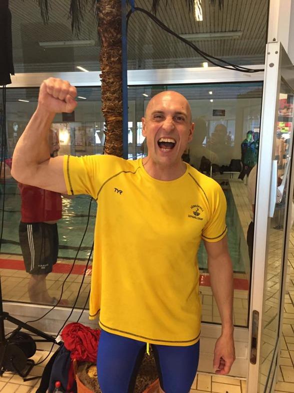 Jocke Holmqvist slog världsrekord på 50m fritt