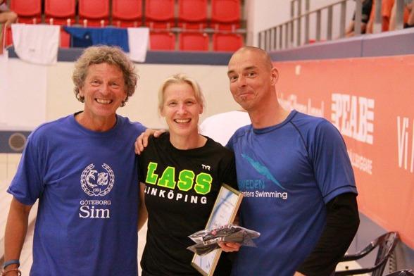 Annette Philipsson vann Mastersstipendiet 2016.. Här utdelat av Glen Christiansen och Hasse Nilsson. Hasse som SSF:S Mastersansvarige.