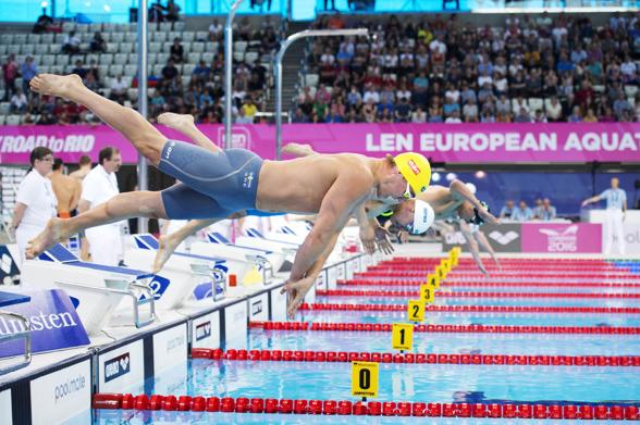 Johannes Skagius och Erik Persson åkte ut i semifinalen på 100m bröstsim