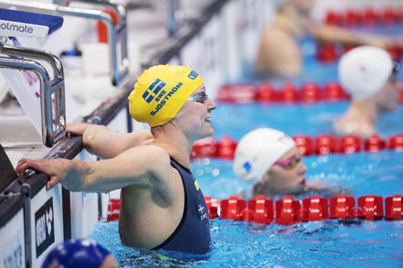 En glad Sarah Sjöström att hennes 41:a internationella medalj är fixad. Guld på 50m fjärilsim