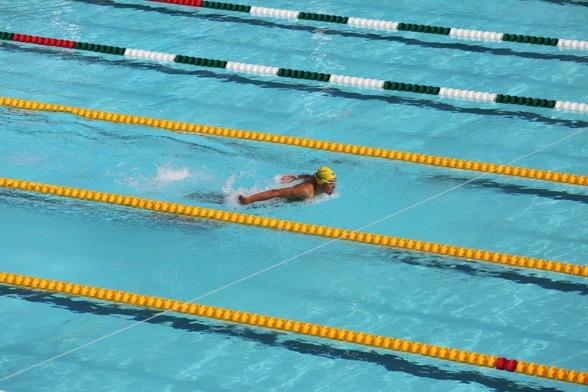 Robin Hansson Järfälla sätter Sum-Sim rekord i yngsta klassen - på 200m fjärilsim med 2.06.82