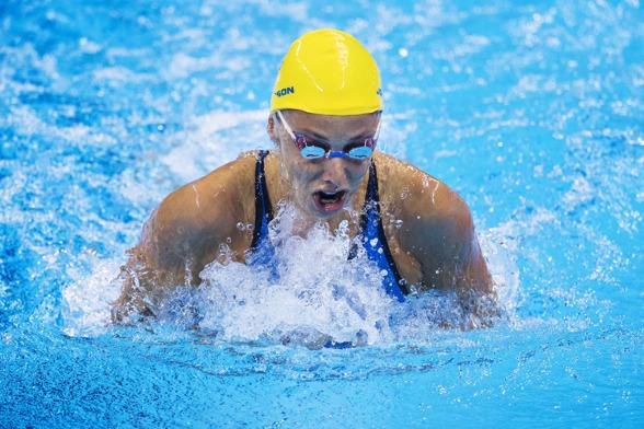 Jennie Johansson till semifinalen på 100m bröstsim