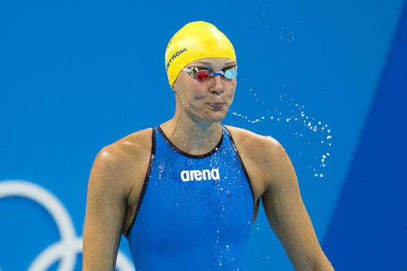 Michelle Coleman vidare till semifinalen på 200m fritt - som sjunde simmerska.