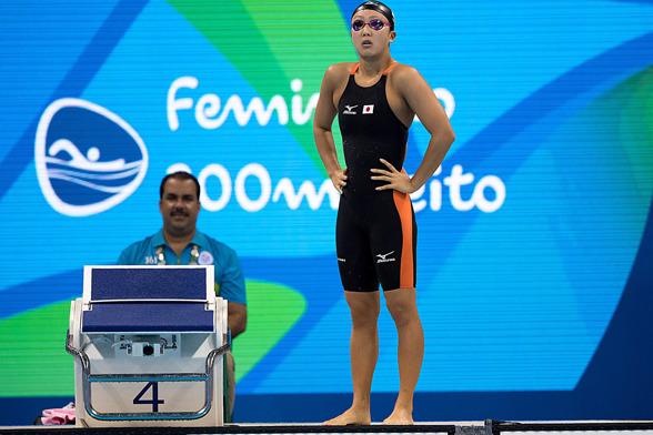 Rie Kaneto, Japan, tvåa i semifinalen på 200m bröstsim.