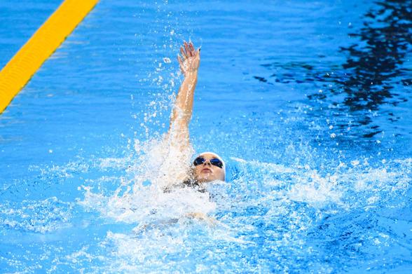 Katinka Hosszu på väg mot ett nytt OS-guld. Leder försöken efter dagens simning på 200m ryggsim