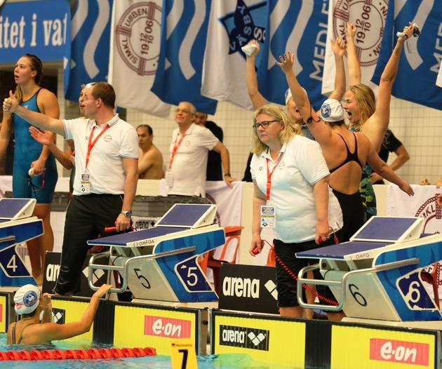Spårvägen jublar efter segern på 4x100m medley