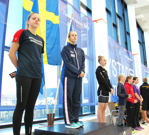 Ystad: prisutdelning gren 2 - Clara Thomasson, Julia Stenhård, Frida Nordefell, Ella Laurén, Sara Wilhelmsson, Sara Stenberg