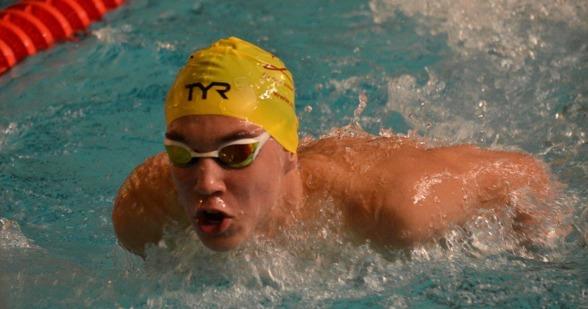 Robin Hansson vann 200m fjärilsim
