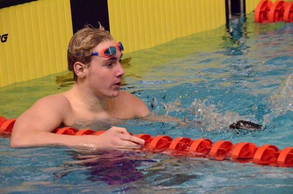 Melker Olsson vann 200m fritt