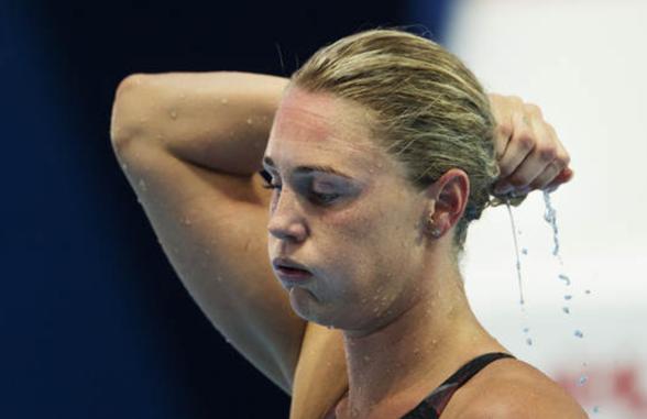 Nej det gick inte alls bra för Jeanette Ottesen. Utslagen på 100m fritt