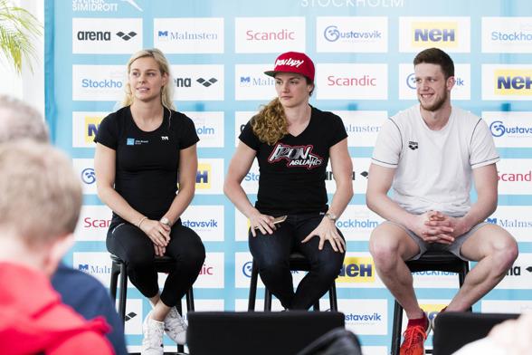 Från gårdagens presskonferens - Danmarks Pernille Blume, Ungerns Katinka Hosszu och Tysklands Philip Heintz under en presskonferens inför simtävlingen Swim Open