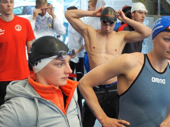 Dags att stiga in på arenan - 50m fjärilsim Katinka Hosszu och Sarah Sjöström