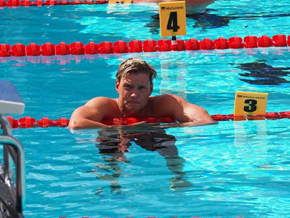 JSM-Segraren på 200m ryggsim - Petter Fredriksson Malmö KK