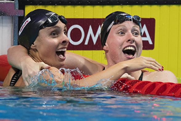 Dubbelt USA på 100m bröstsim