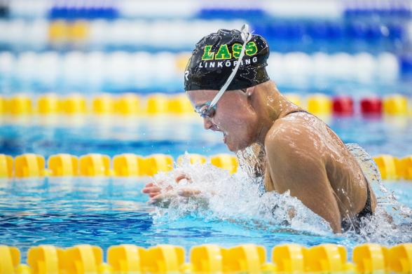 Vilma Ekström vann 100m medley och slog personligt rekord med 1.01.30