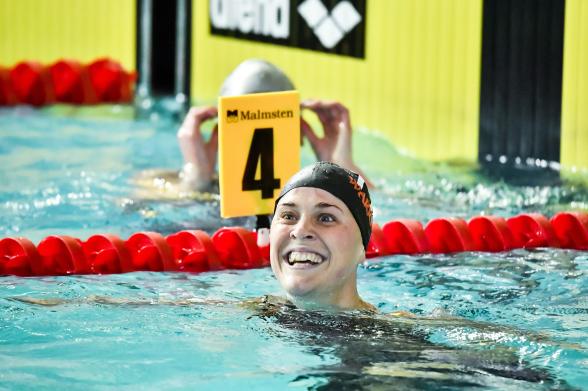 alltid glada Nathalie Lindborg var ännu glade idag med SM-guld och personligt rekord på 100mfritt