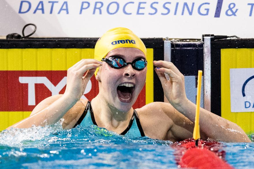Efter en fantastiskt fin simning blev det brons och SVENSKT REKORD med 29.77