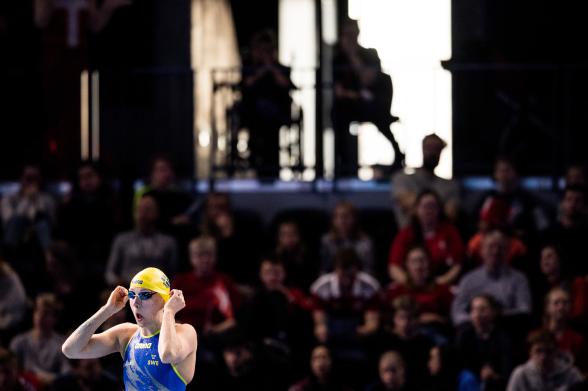 Sarah Sjöström laddar för start i dagemns lopp på 100m fjärilsim