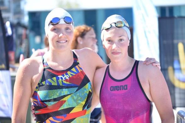 Pernilla Lindberg och Felicia Andersson  efter 200m fritt i PARA-klassen
