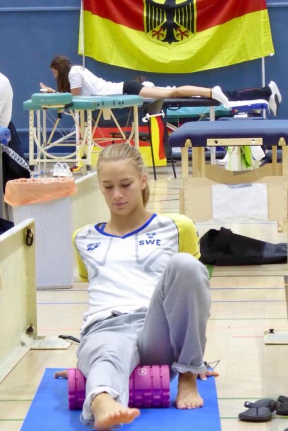 Trine Fors till semifinalen på 100m ryggsim