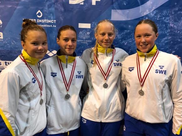 Svenska damlaget på 4x100m medley