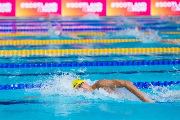 Robin Hanson krossade sitt personliga rekord på 400m fritt