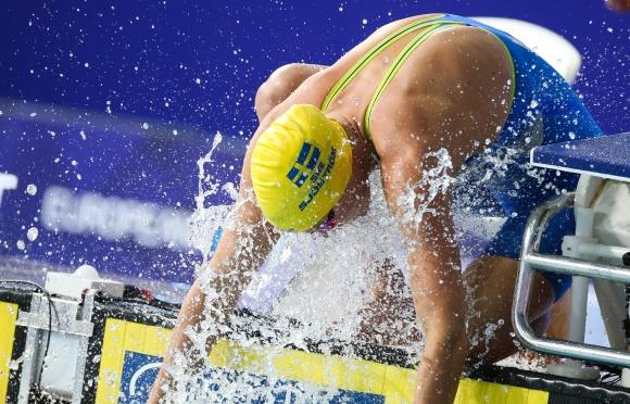 Sarah Sjöström tvåa efter Pernille Blume på 50m fritt i semifinalen
