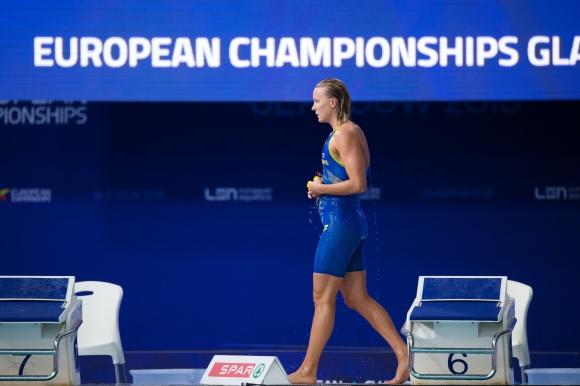 Sarah Sjöströmi klar ledening på 100m fjärilsim på EM 2018