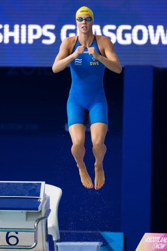 Svenskt hopp i lördagens final på 100m fjärilsim. Louise Hansson i EM-final med nytt personligt rekord denna afton - 57.99