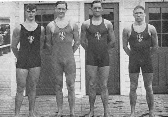 För 100 år sedan simmades Sim_SM också i Malmö. DEn gången simmade man ute på Ribersborsgbadet och det blev hemmaseger på 4x100m fritt herrar