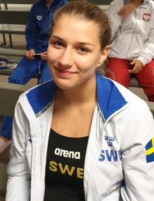 Emilia Nilsson Garip i Call Room innan finalen 1m flickor A