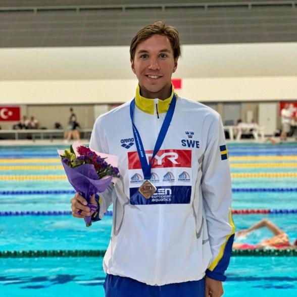 Silver och svenskt Juniorrekord av Robin Hanson