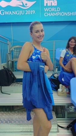 En glad Emilia som hoppade till sig en fin fjortondeplats i sin första VM-tävling.