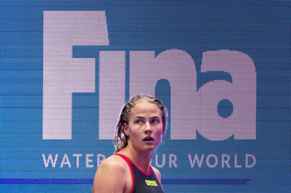 Michelle Coleman vidare till semin på 100m fritt den femte dagen av VM