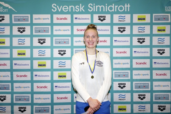 Saliha Colic överraskande seger på 200m bröstsim.