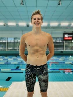 Umeå: , Felix Bengs-Stattin  har simmat br apå 50 och 100m fritt