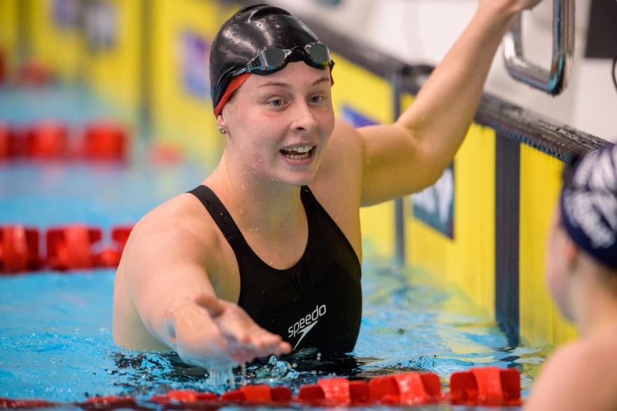 Nytt svenskt rekord av Sophie Hansson på 100m bröstsim i dagens försökstävlingar