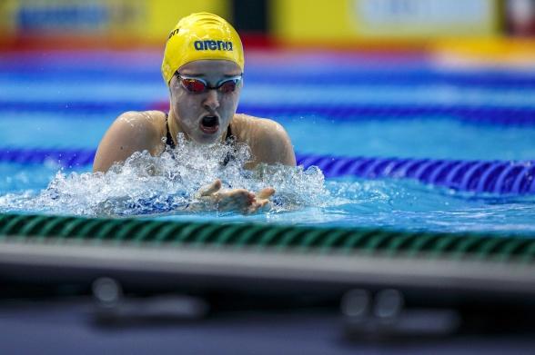 Em-debutanten LIsa Nystrand på 200m medley