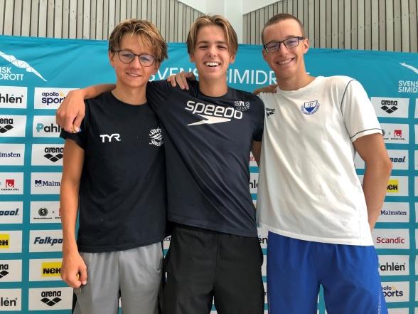 Tobias, Anton och Levente i yngsta klassens 400m medley