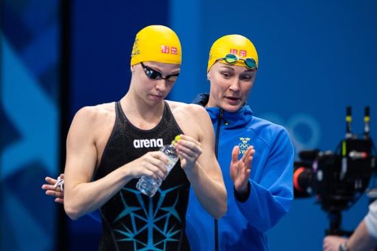 Louise Hansson och Sarah Sjöström innan finalen klicka på bilden så blir den stor