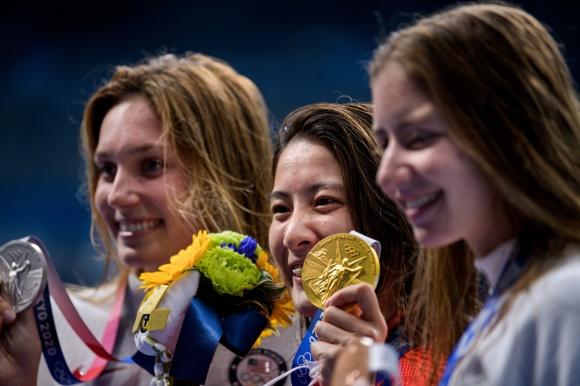 Prisutdelning damernas 200m medley klicka på bilden så ser du  bättre!