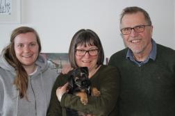 Bobo med lillamtte Josefin, matte Kristin och husse Tord