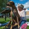 Esther får besök på djursjukhus